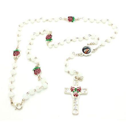 Chapelet en perles blanches